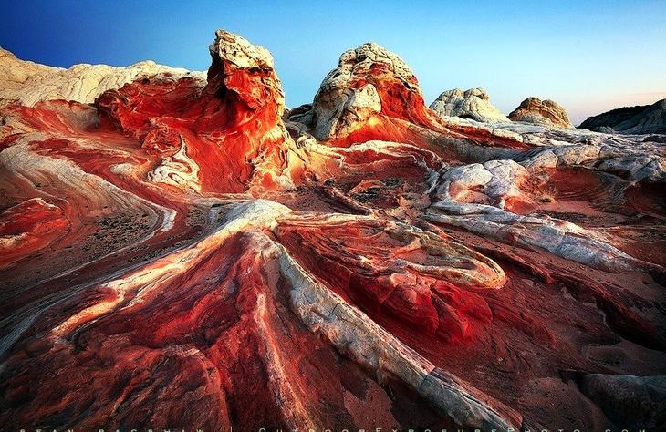 Цветная пустыня США. Жажда цветов и красок. 11 самых необычных и загадочных пустынь нашей планеты. Фото с сайта NewPix.ru