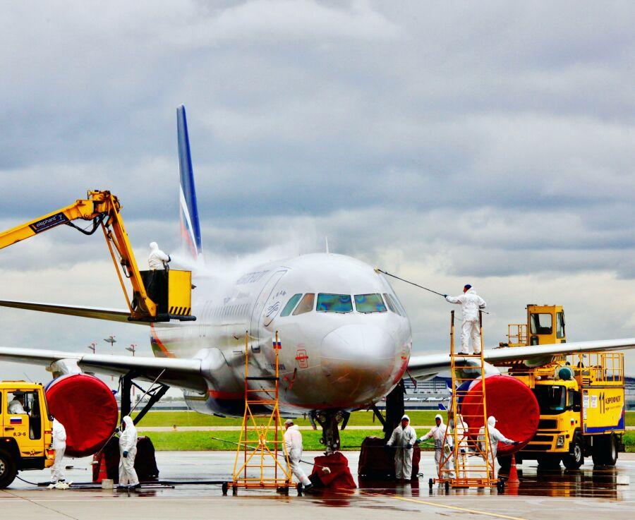 Как моют самолеты