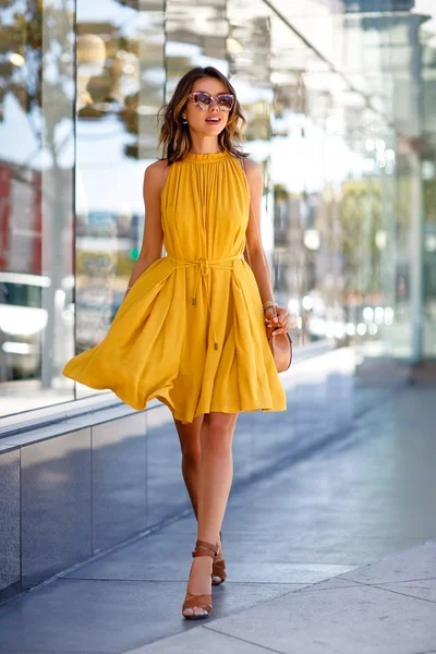 Еще 5 платьев, которые мы советуем купить, пока лето не закончилось