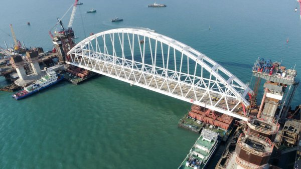 Как Россия строит Керченский мост. Главные проблемы, вопросы и последствия для Украины