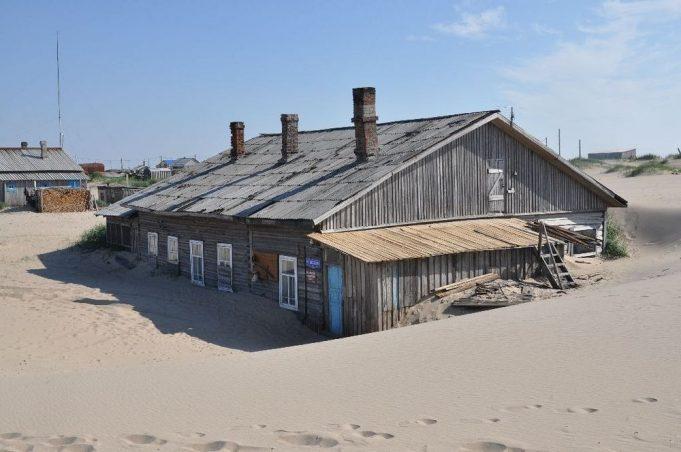 Шойна: занесенная песками деревня на севере России