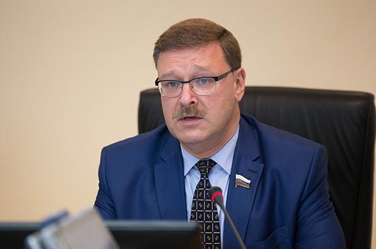 Косачев: Россия примет ответные меры в отношении Польши за снос советских памятников