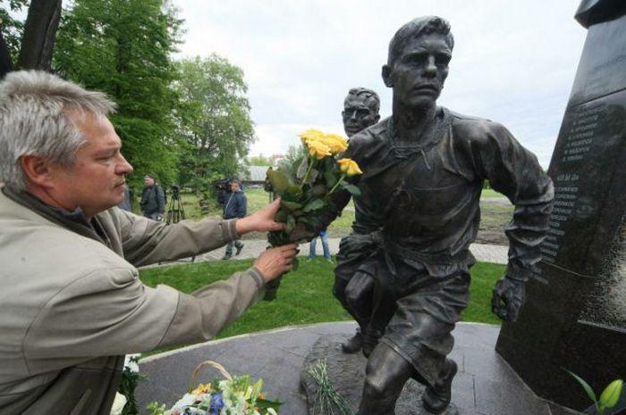 Футбольный матч в «городе мёртвых»: как блокадный Ленинград доказал, что жив