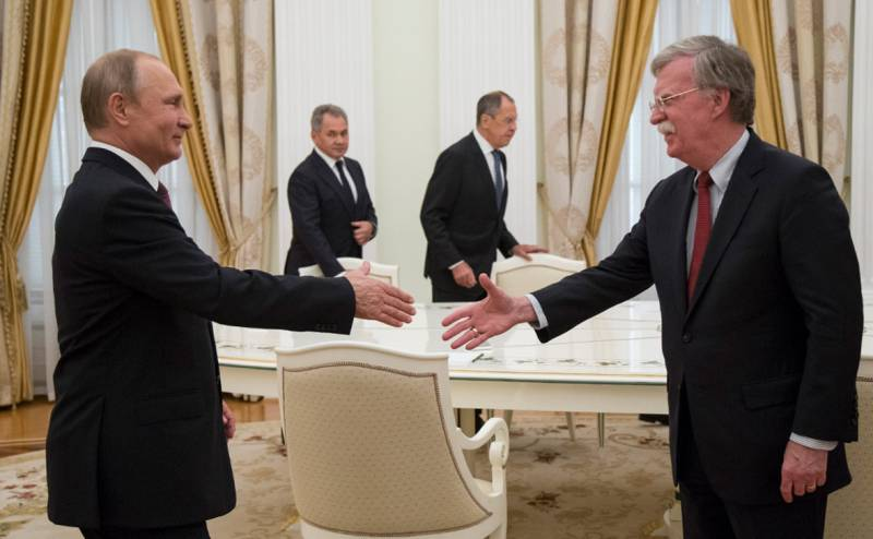 Встреча Трампа и Путина: решат ли они судьбу Порошенко и Украины