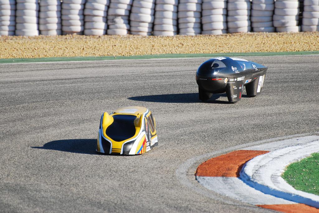 1217 Автомобили на солнечной тяге