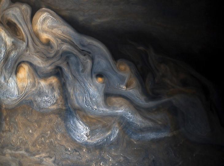 Планета Юпитер — самая большая планета Солнечной системы