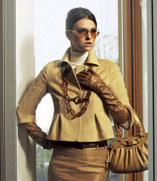 Как носить длинные перчатки: 21 модный образ