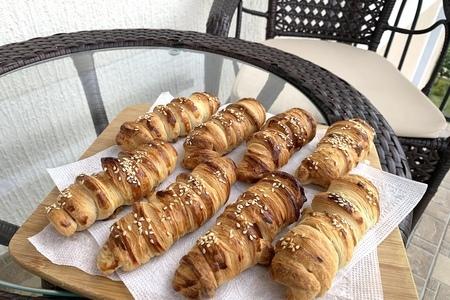 Фото к рецепту: Сосиски с тесте (расстегаи)