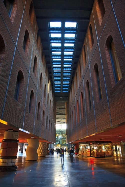 Причудливая архитектура города Бильбао