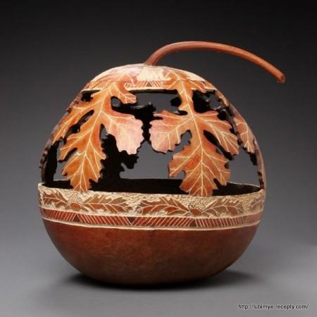Удивительные предметы, вырезанные из тыквы.