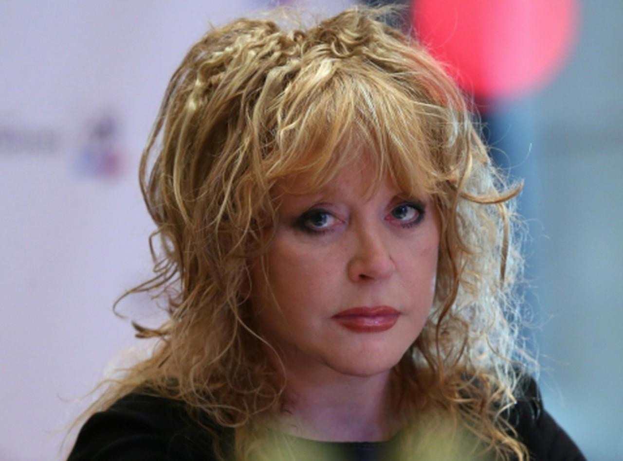 Умеет эпатировать: Алла Борисовна сняла парик в прямом эфире
