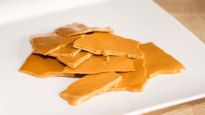 Карамелизированный шоколад в домашних условиях Карамелизация, Шоколад, Рецепт, Видео рецепт, Кулинария, Еда, IrinaCooking, Видео, Длиннопост