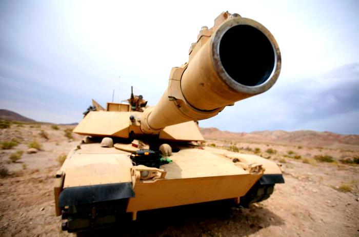 Названо «значительное преимущество» «Абрамсов» перед российскими танками