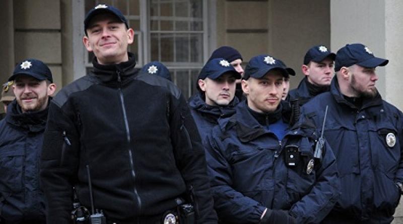 На Украине более 90% полицейских, не прошедших переатестацию, восстановлены в должности