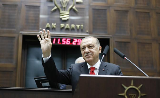 Эрдоган по примеру Путина переходит на «ручное управление»