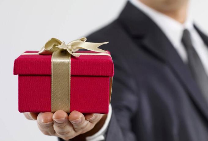 Какой подарок понравится жен…
