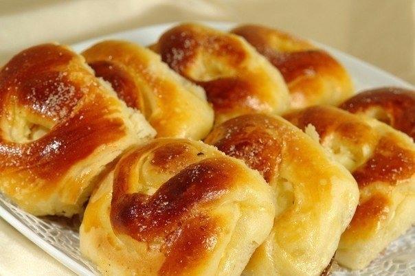 Фото к рецепту: Печеные пирожки Ñ Ñ'ворогом