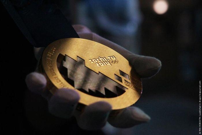 Как делают медали для Олимпиады в Сочи 2014