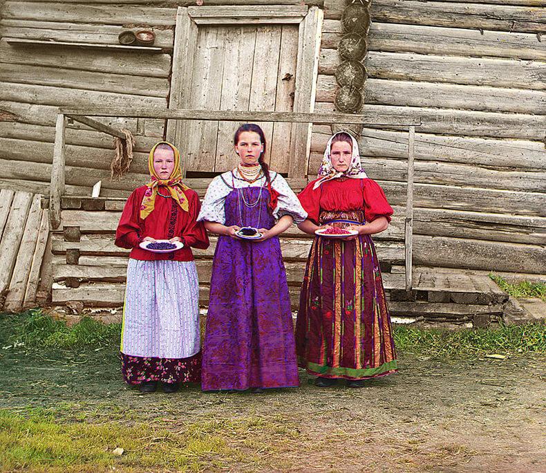 Жизнь женщины в русской деревне конца XIX века.