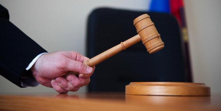 """""""Пойдешь на 15 суток"""": кубанский судья пригрозил """"сопляку""""-адвокату арестом за указание на нарушения"""