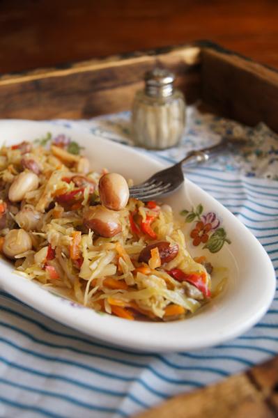Овощное рагу с фасолью и грибами