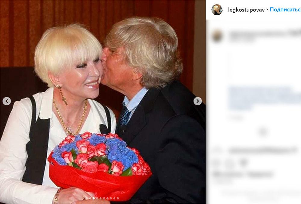 Певица Валентина Легкоступова впала в кому: фото из семейного архива