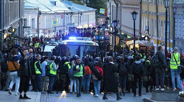 Анатолий Вассерман: митинганство по заказу извне