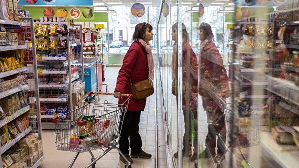 Сколько россияне и жители других стран тратят на еду