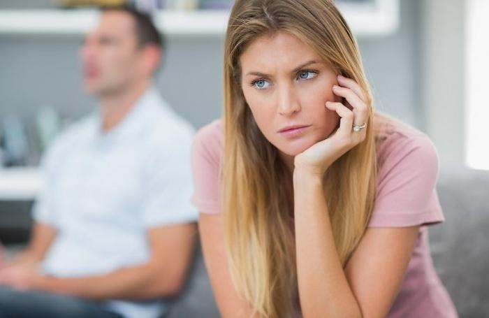 Мне 24 года, а муж не обращает на меня внимание….