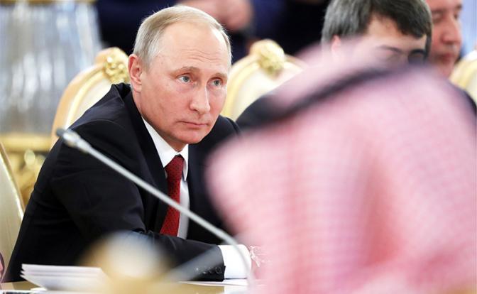 Кремль собирает под своим крылом «клуб изгоев»