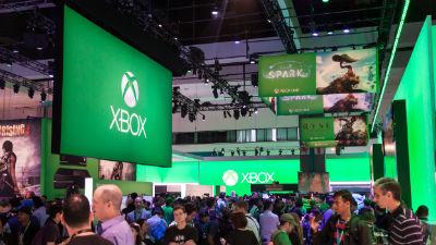 Microsoft выпустит удешевленную версию Xbox One