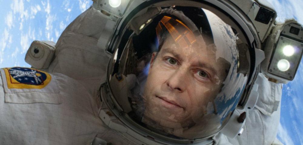 Майкл Бом заявил о своей готовности стать космонавтом для «перезагрузки»