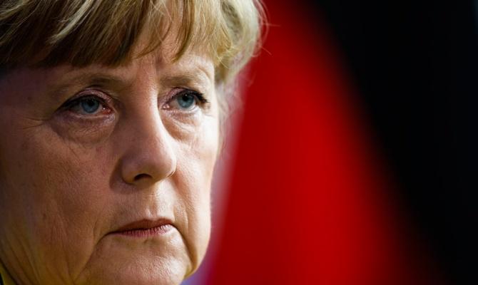 Меркель, говоря о Крыме, провела параллель с историей объединения Германии