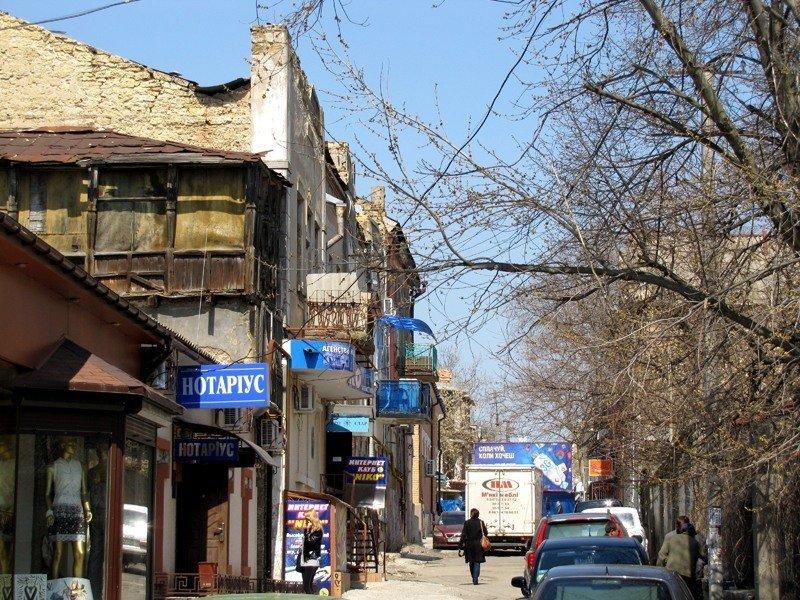 Стены домов дышат на ладан города, города украины, нищета, обратная сторона, разруха, трущобы, украина