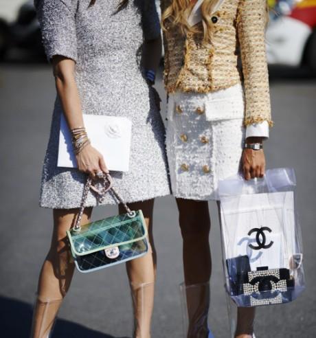 Streetstyle — какие сумки носят на улицах Парижа