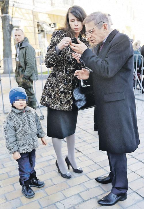 Татьяна Черновол и Сергей Пашинский (справа) не раз становились героями скандальных публикаций СМИ.