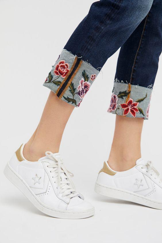 Вышитые отвороты джинсов