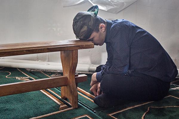 Они приняли ислам и стали изгоями