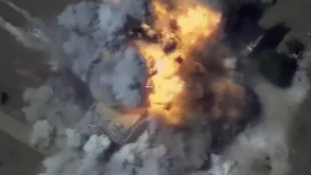 Опубликовано видео уничтожения боевиков, атаковавших российские объекты в Сирии