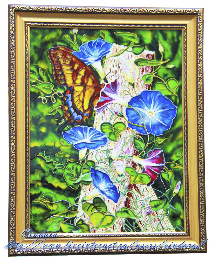 Витражная роспись по мотивам  картины под названием  Swallowtail in Glory американского художника Martinа Ryanа.