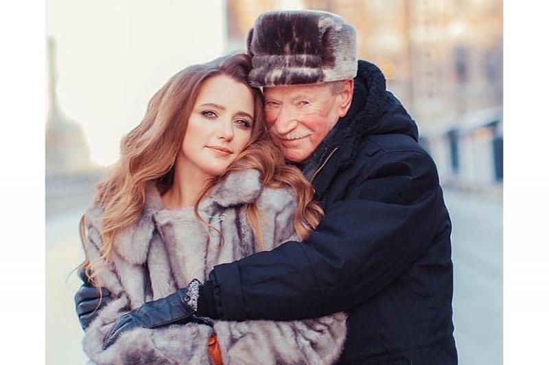 Во что превращается девушка после пары лет жизни со стариком