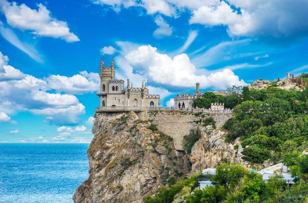 Киев признал, что в Крыму стало лучше