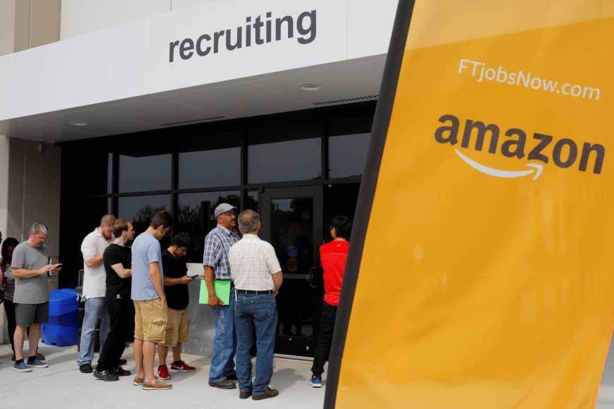 Amazon разработала ИИ для поиска сотрудников и отказалась от него из-за дискриминации женщин