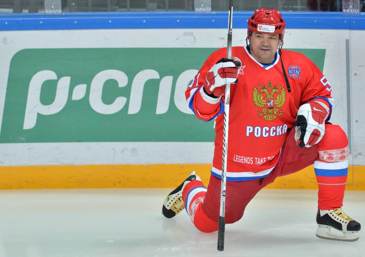 Трус не играет в хоккей: Глава профсоюза КХЛ Коваленко нокаутировал судью во время матча