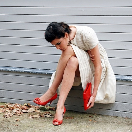 """""""А потом правнучке расскажете про туфли. В девяносто лет. Улыбаясь…"""""""