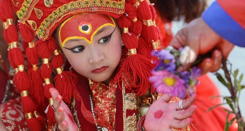 Кумари — маленькие богини Непала, живущие на земле среди простых людей