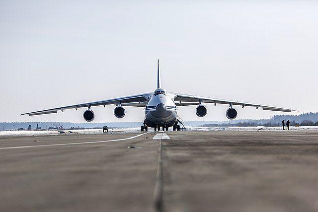 Российский самолет доставил в Сирию более 44 тонн гумпомощи из Франции