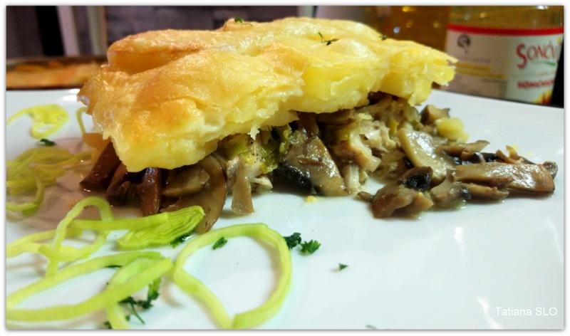 Картофельный гратен с грибами и куриной грудкой