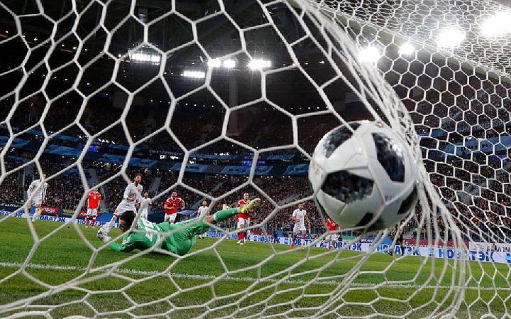 Как Россия с Испанией в футбол играли: новая фотовыставка в Москве