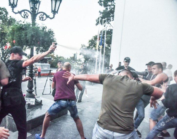 Одесса. Беспорядки. Грязный пиар на людском горе. Беспорядки в Одессе не утихают